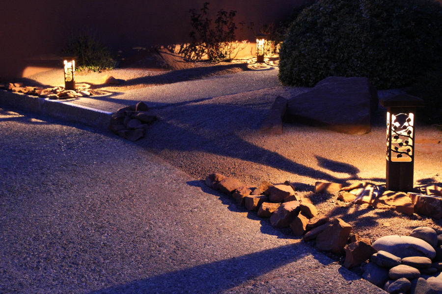 Driveway lighting with 6x6 and 4x4 Series Bollards